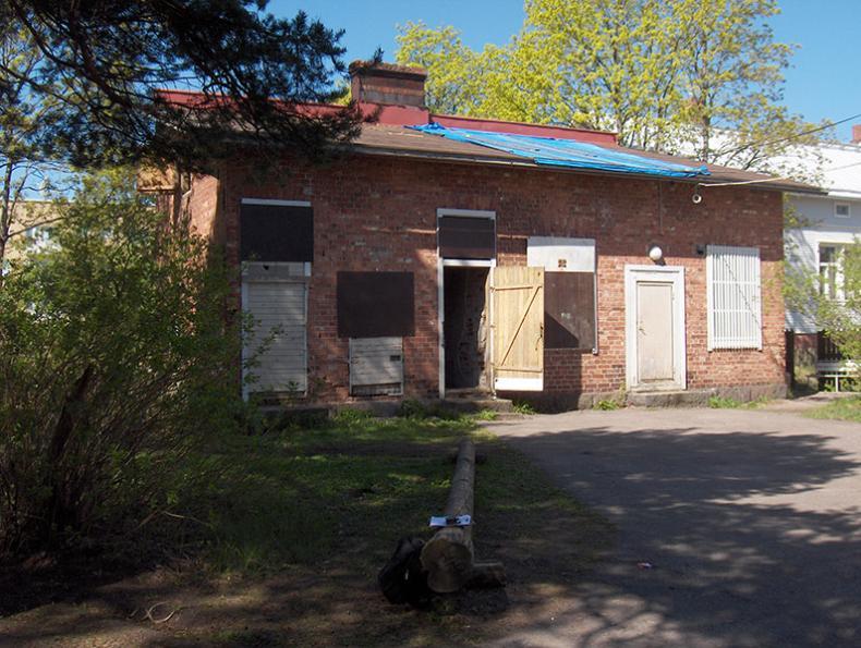 Entiseen huussiin tehtiin persoonallinen asunto sekä taloyhtiön sauna