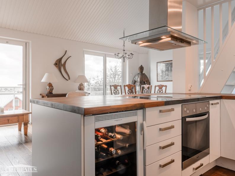 Tässä keittiössä kokkikin saa katsella merelle