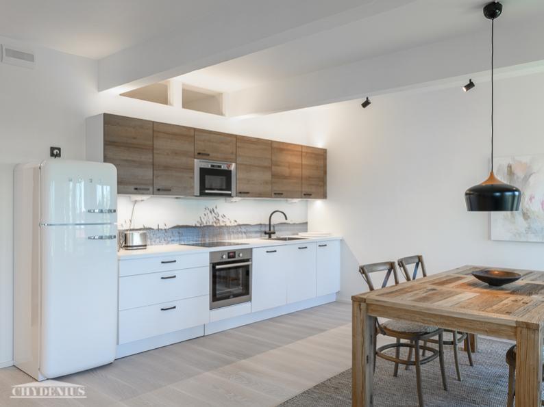 Tässä keittiössä on hankolainen merimaisema