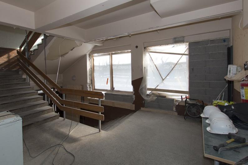 Vanha pääportaikko muutettiin asunnoiksi